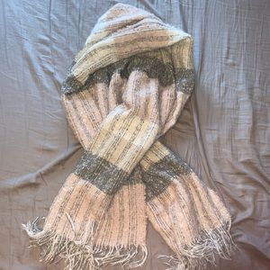 Accessories - Scarf!